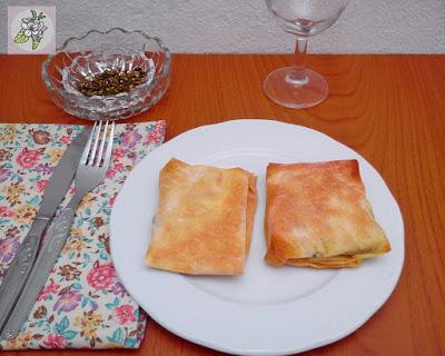 Paquetitos de Pasta Filo con Setas, Tofu y Almendra