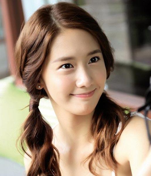 Sweet Yoona ponytail hairstyle