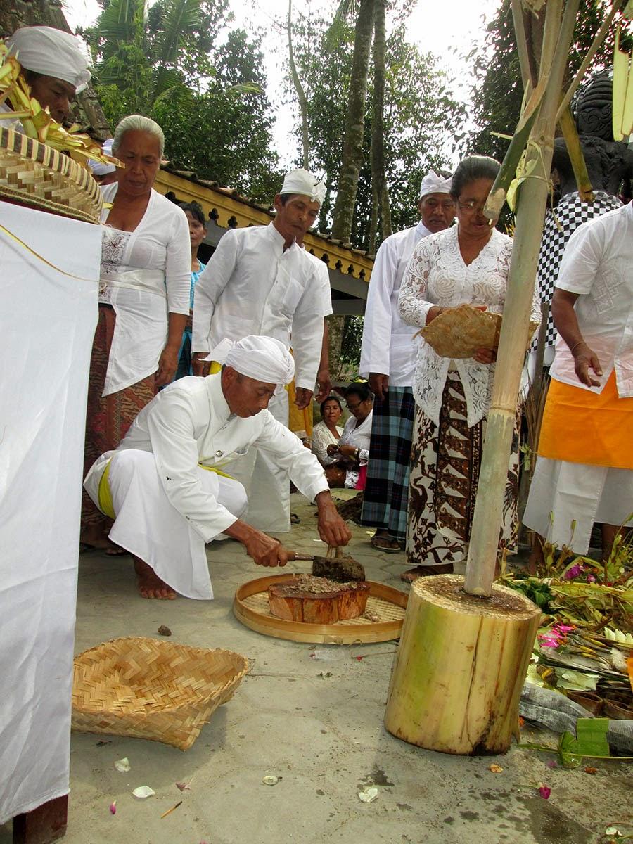 Pura Bhuana Puja Melaspas Pura Bhuana Puja