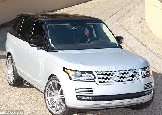 Check Out Kim Kardashian's Brand New Range Rover SUV
