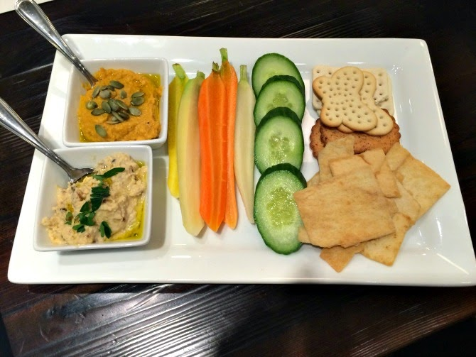 The Holland House: Hummus Duo