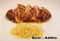 Magret de pato con foie y manzana a la vainilla