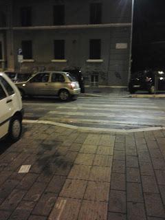 Roma nove arredo urbano via pomezia for Arredo urbano roma