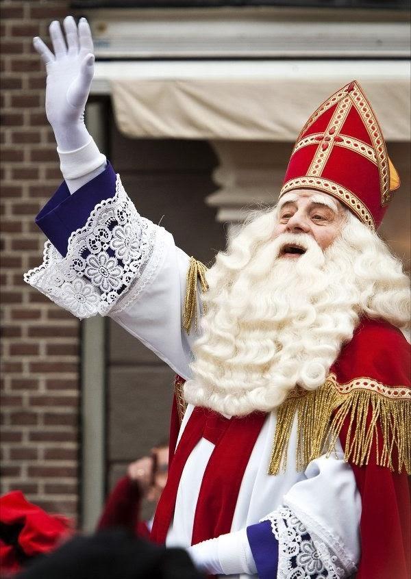 funrais: Amazing Santa Claus Of Different Countries