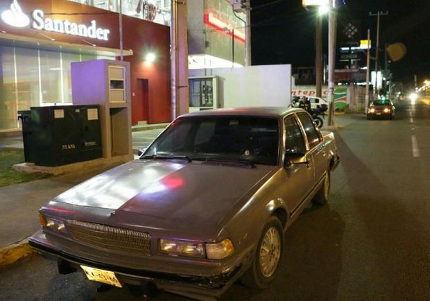 Auto de noche en Toluca