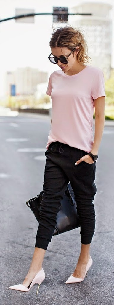Pink Tee with Black Slim Jogger Pant and Pink Patent Heels | Spring Chic Outfits