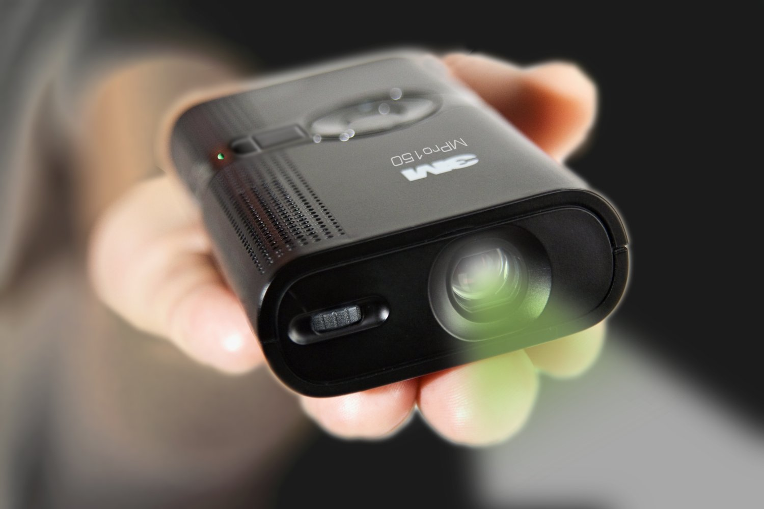 H and b digital photography blog review new all in one for Best pocket projector for presentations