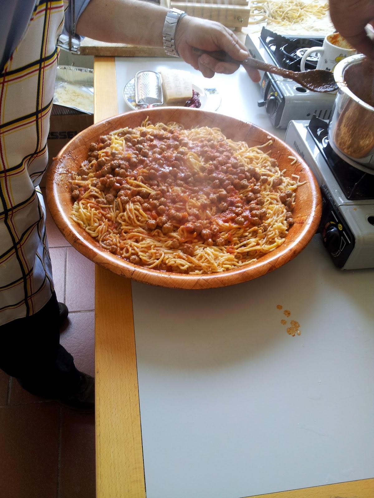Saperi sapori e culture ricette cucina regionale italiana spaghetti alla chitarra - Cucina regionale italiana ...