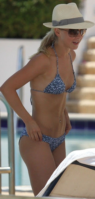 Julianne Hough Hot Pictures