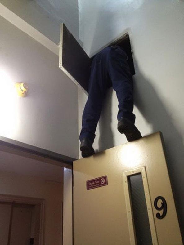 http://1.bp.blogspot.com/-sglrVa3Xijw/Uv3xhxuA5eI/AAAAAAAAp-A/JCixHsncVgY/s1600/06_men-safety-fails-6.jpg
