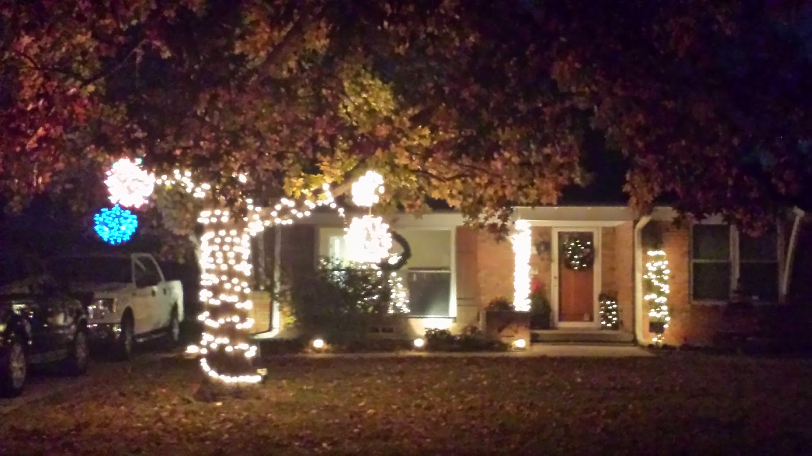 Lighted Christmas Balls: 2014/12