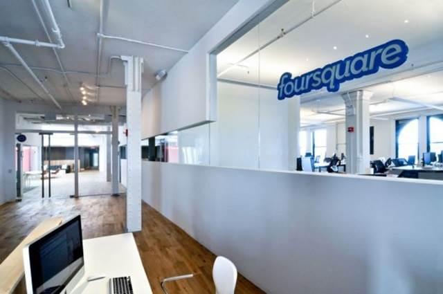 ruang masuk pejabat foursquare