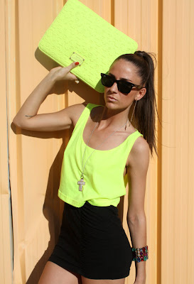 Clutch. flúo, neon, clothes