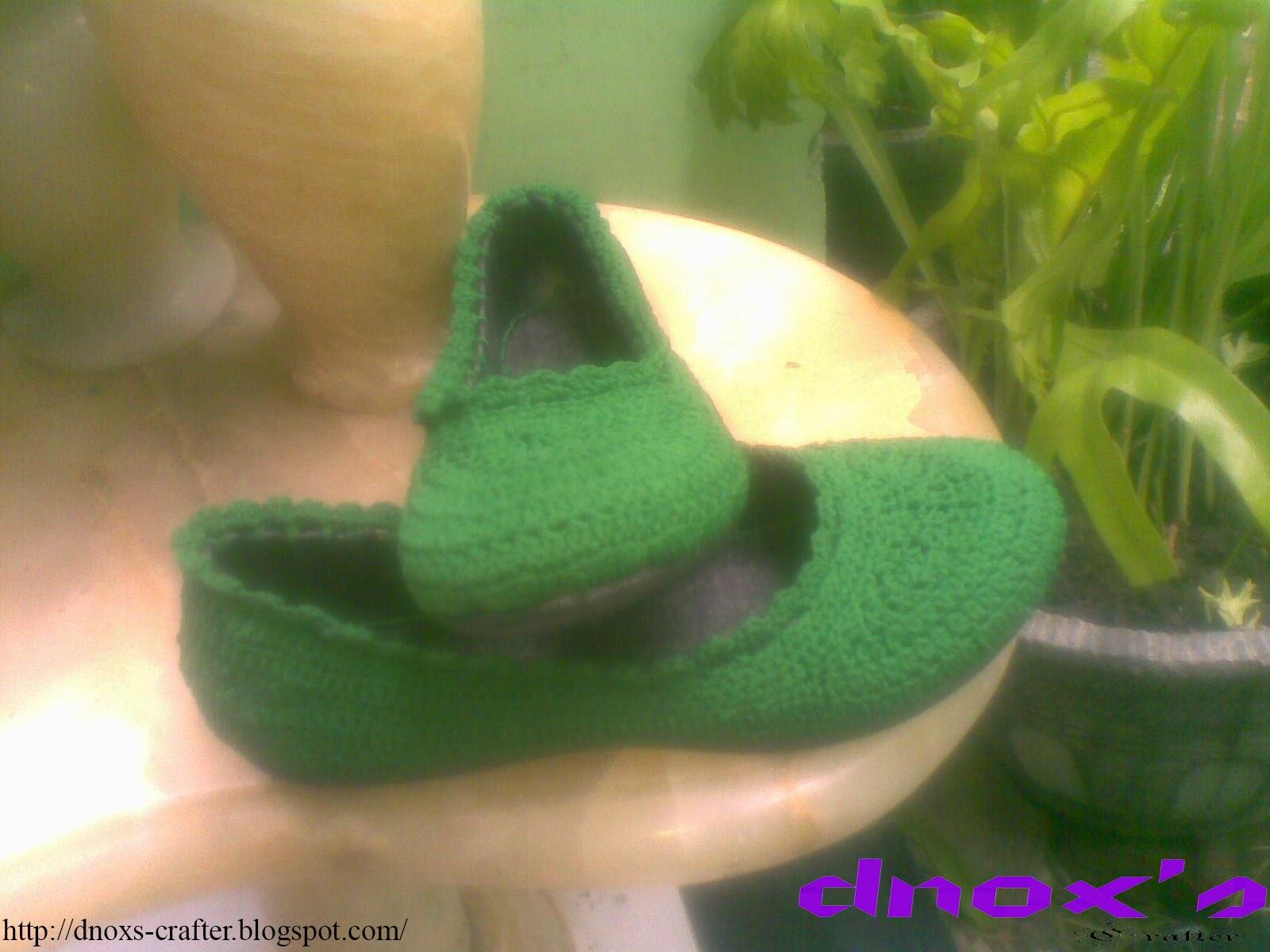 Sepatu rajut karet hijau