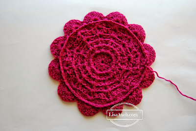 free crochet pattern 12 inch afghan square with flower  lisaauch