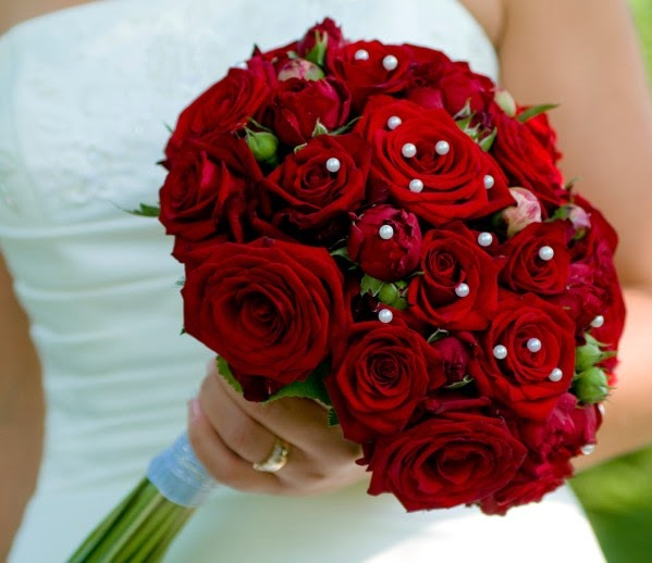 St louis wedding liaison blog silk flowers vs real flowers silk flower advantages look fresh all day long wont wilt or turn brown last forever make a great keepsake less expensive than real flowers mightylinksfo