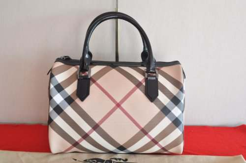 b2c728f6fc29 BURBERRY Medium Nova Check Bowling Bag (Supernova Black)