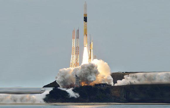 Peluncuran Roket H-2A