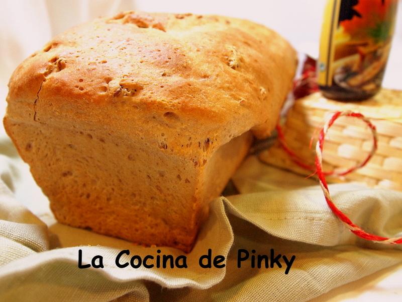 PAN DE NUECES Y SIROPE DE ARCE  Pan+de+nueces+y+sirope+de+arce+1