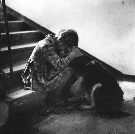siyah beyaz kız fotoğrafı, depresyon, dram