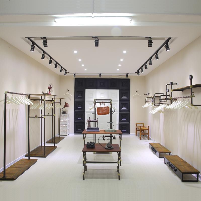 Como reformar minha loja gastando pouco del carmen by sarruc for Interior design outlet online