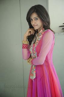 Vithika Sheru Gorgeous Pictures Gallery 033
