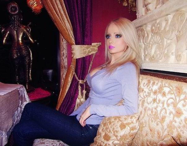 Valeria Lukyanova --the Living Doll: Fake or Real?