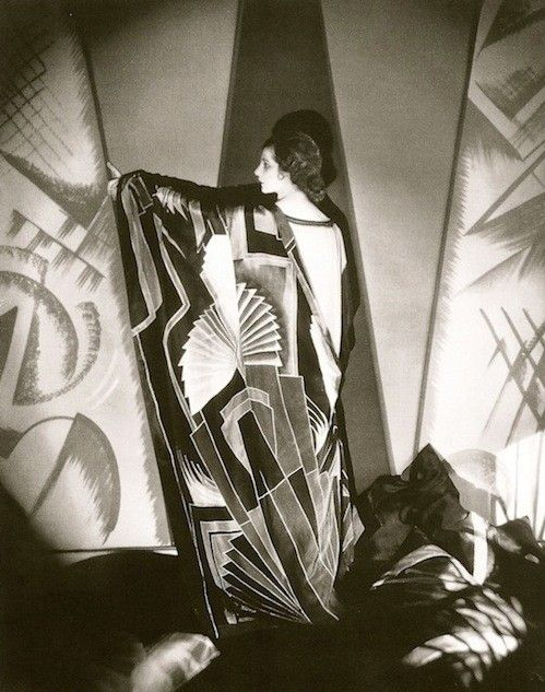 Art Deco Design, Edward Steichen 1925 #deco #1920s #vintage #fashion #photography