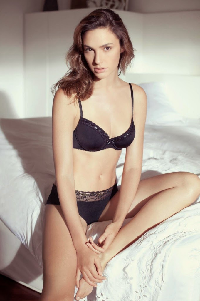 Gal-Gadot-Black-Bra-and-Panties-Set-681x1024.jpg (681×1024)