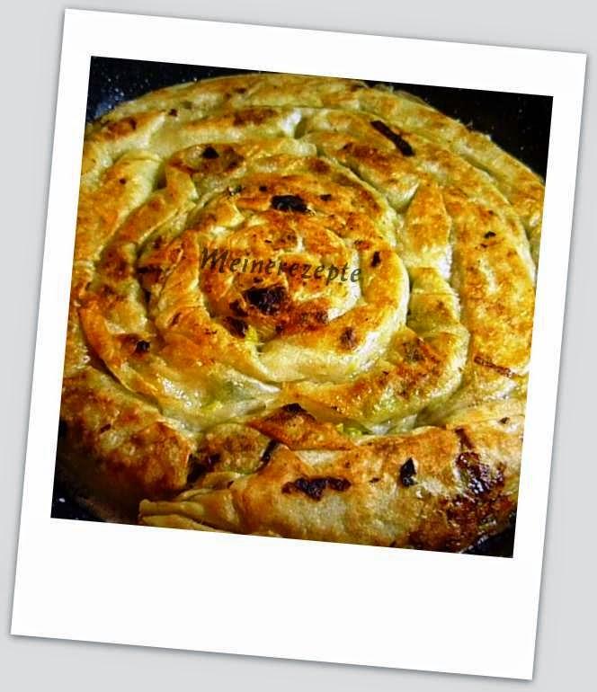Meine Rezeptwelt: Pfannenbörek mit Porree Füllung - Pirasali tava böregi