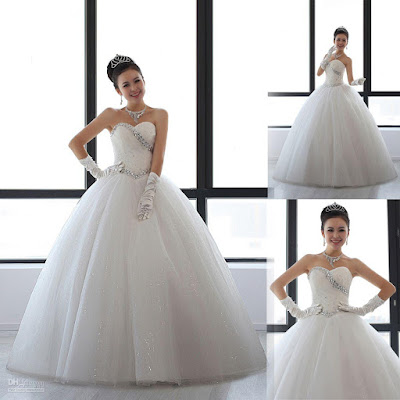Cute wedding dress; cute wedding gown; small wedding dress; small wedding gown