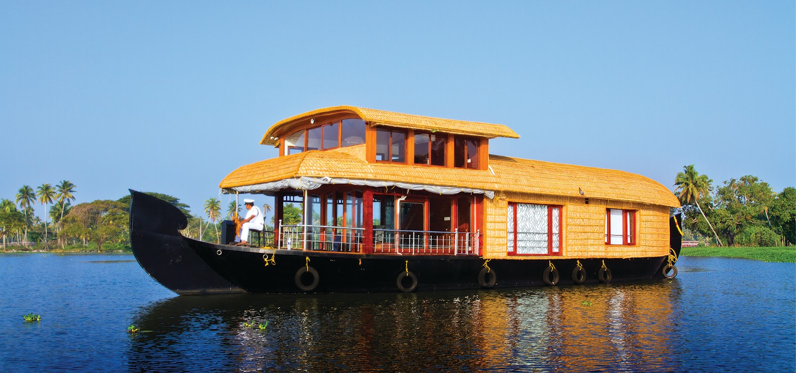 Kerala houseboats rentals in alleppey kumarakom for How much does a lake house cost
