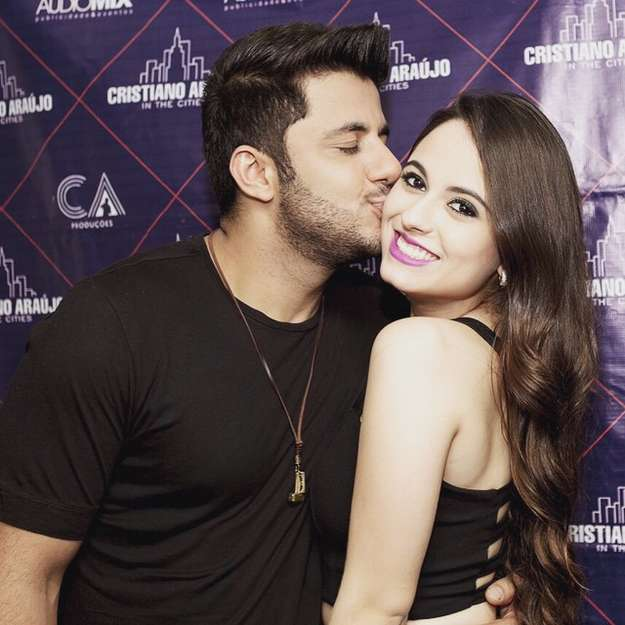 Cristiano Araújo e namorada