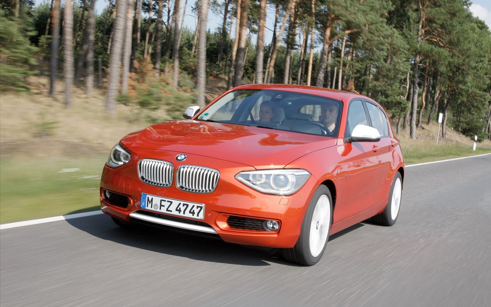 2012 BMW 1-Series Urban Line ~ CAR WORLD