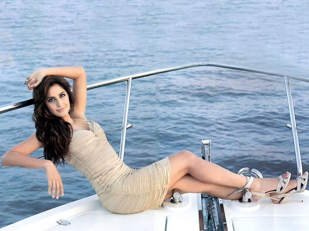 Katrina Kaif Latest Hot HD Pictures