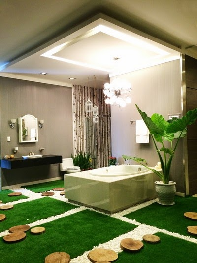 Bồn tắm hiện đại trên nền cỏ xanh mát