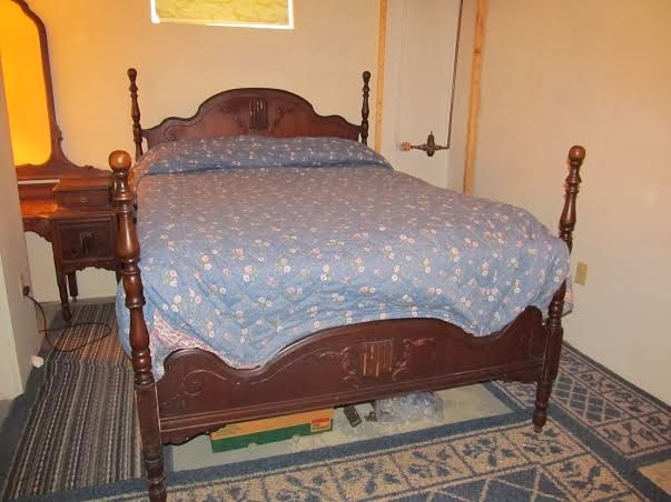 restoration news 4 poster antique bedroom set for sale. Black Bedroom Furniture Sets. Home Design Ideas