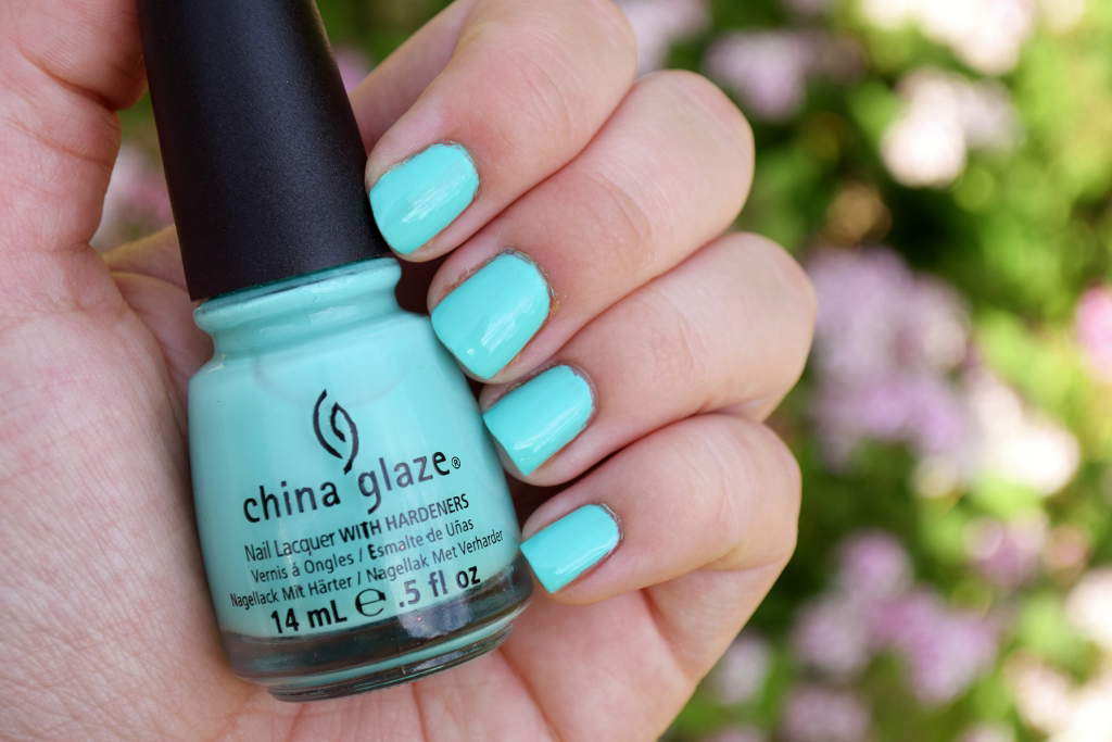 NOTD China Glaze Too Yacht to Handle Review Swatch