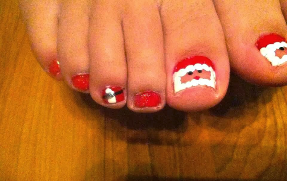 santa claus toe nail design for christmas - DIY Santa Clause Toe Nail Design For Christmas - Crafty Morning