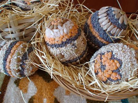 Великденски яйца със семена