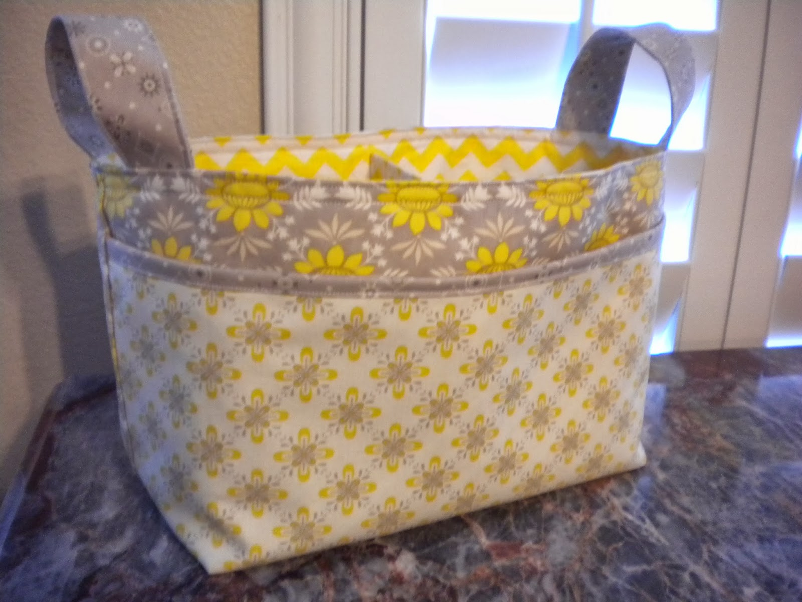 Divided Basket | A Quilting Life - a quilt blog : quilted basket pattern - Adamdwight.com