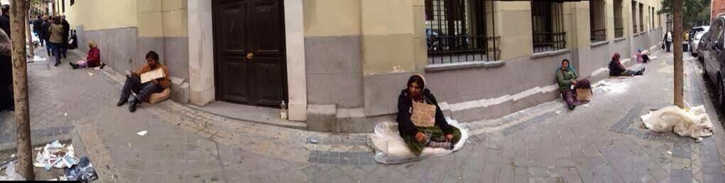 Una calle de Madrid un dia cualquiera de cualquier año
