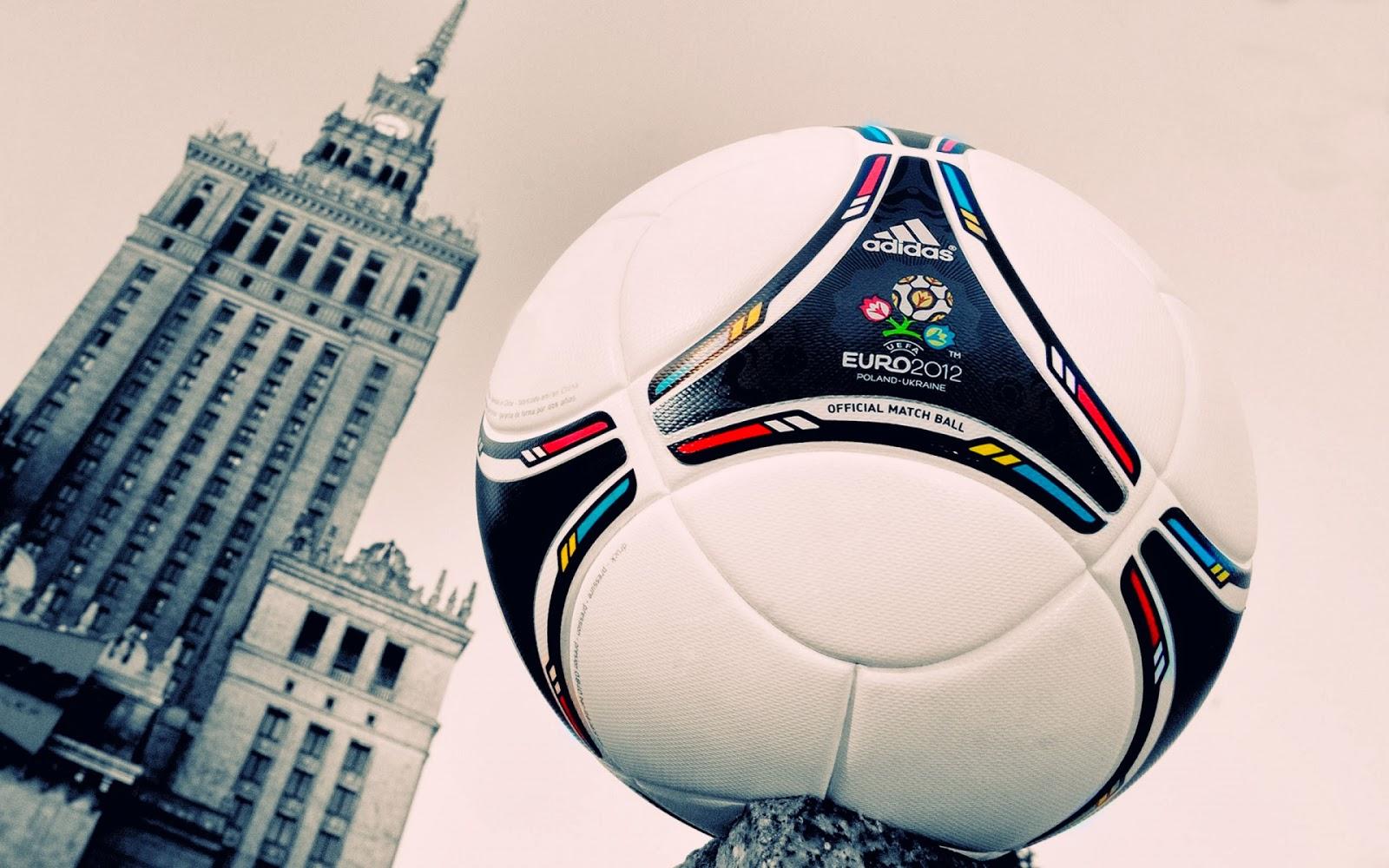"""<img src=""""http://1.bp.blogspot.com/-skCDizYS6EQ/UuAgBJZ05BI/AAAAAAAAJz4/TEDaJFepM0U/s1600/uefa-euro-2012-match-ball.jpg"""" alt=""""uefa euro 2012 match ball"""" />"""