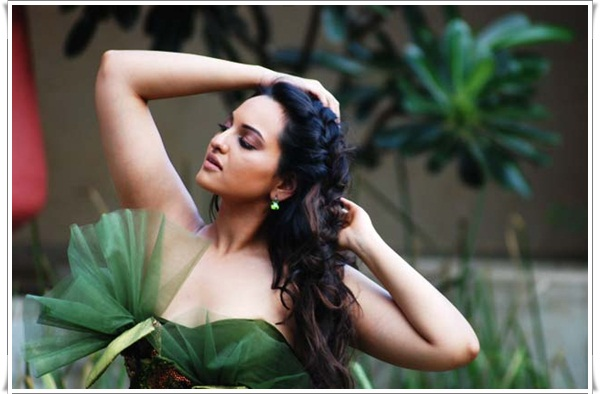 sonakshi sinha in sri lanka hot images