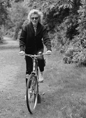 el paseo en bici de Marilyn.