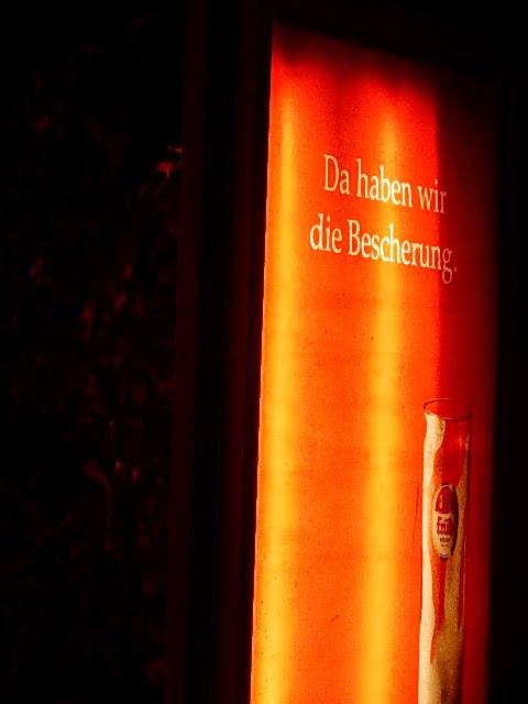 http://www.rp-online.de/sport/fussball/union-berlin/union-berlin-27500-fans-beim-traditionellen-weihnachtssingen-aid-1.4761127
