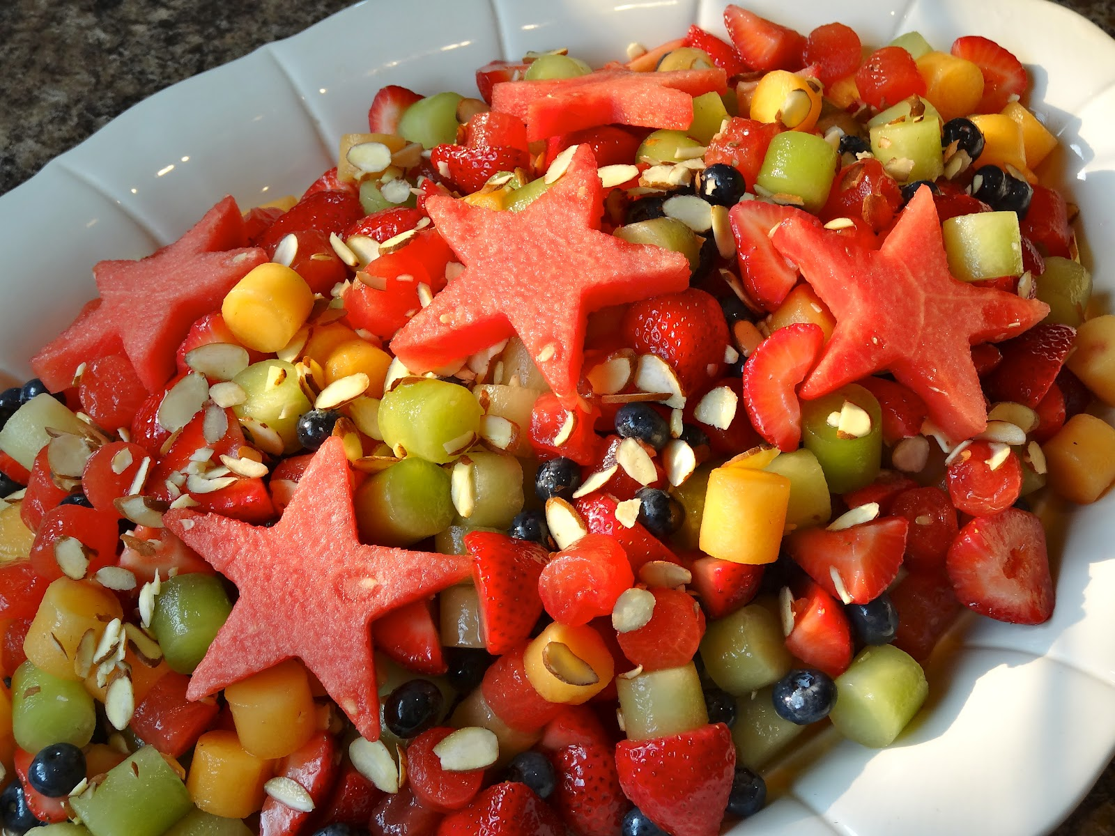 Fruit salad decoration recipe the image for Decoration fruit
