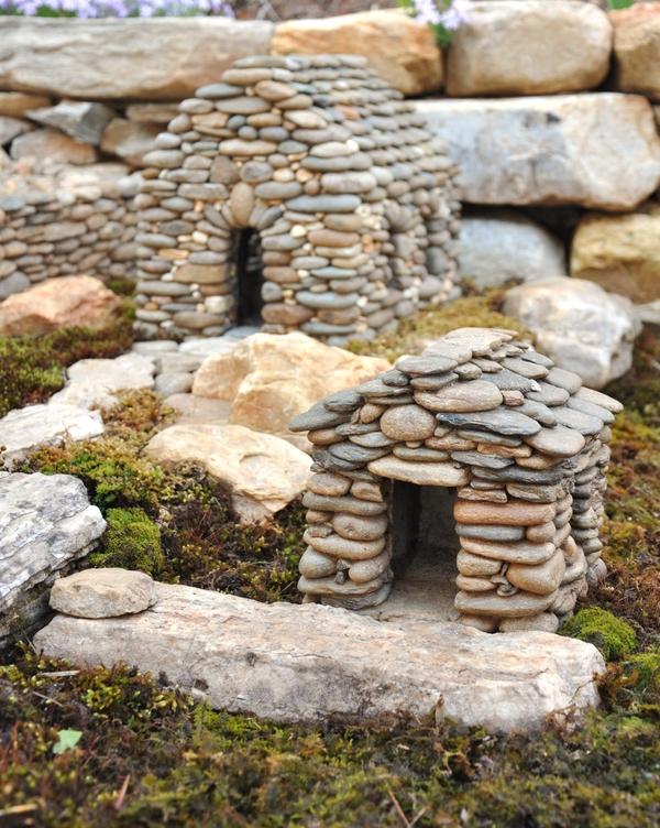 Otthon s m s kreat v kerti tletek for Sticks and stones landscaping