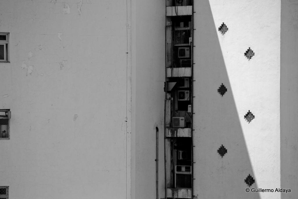 In São Paulo (Brazil), by Guillermo Aldaya / PhotoConversa