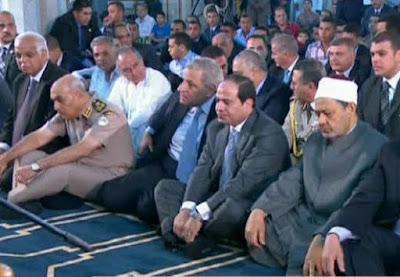 صور جنازة والدة الرئيس عبد الفتاح السيسي من مسجد المشير طنطاوى وصلاة الجنازة